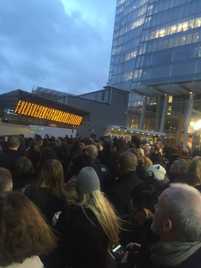 Avoid #londonbridge #chaos https://t.co/1ro1Fp2qaI
