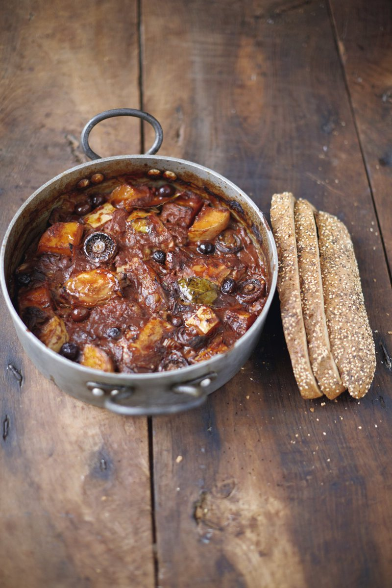 #RecipeOfTheDay is this truly comforting chicken & squash cacciatore from #JamiesSuperFood: https://t.co/l4UE70q642 https://t.co/KMQcHFef4f