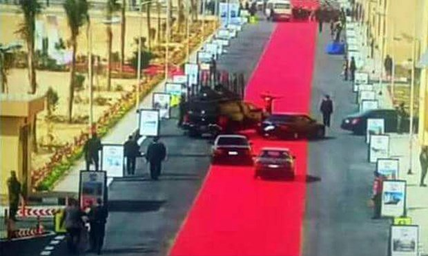 Sisi's motorcade drove on 4km red carpet en route to inaugurate affordable housing project. https://t.co/q1kYvUFToD https://t.co/Svc2DnTvOn