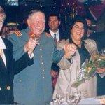 #CosasQueNuncaSeSupieron Quién le regaló las flores Pinochet o @melnicksergio https://t.co/8E91dylYF6