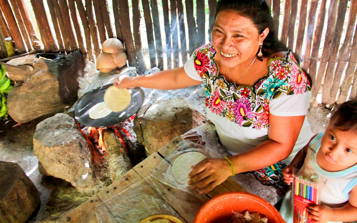 When visiting #RivieraMaya try local, be local. Support Mayan communities and enjoy the true Mexico! #MexChat https://t.co/pJaQo2tdjQ