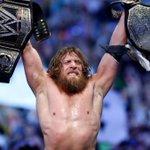 Daniel Bryan anuncia su tempranero retiro de la WWE » https://t.co/T5UAxHJ4pG https://t.co/DKV1OLhbZt