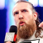 Daniel Bryan anunció su retiro de la WWE :( https://t.co/HqhPrYAGwu https://t.co/Km5I9dLnCE