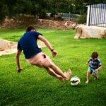 Não basta ser pai, tem que ensinar ao filho que futebol é coisa séria. https://t.co/erZxzesgvo