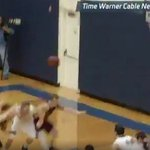 VIDEO: DIII player purposely misses free-throw to set up game-winning buzzer-beater https://t.co/kmk5VkxvPJ https://t.co/uqZxLMoOi1