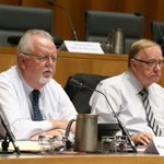 Govt MP complains @ellinghausen pic of Sarah Hanson-Young is flattering but pic of he and Barry OSullivan isnt https://t.co/qbNqliFcnt