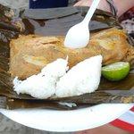 @MashiRafael el tradicional bollo de pescado en la playa  no podia faltar ,nuestra gastronomía la mejor !!! https://t.co/AJKDiD62Vc
