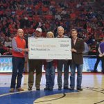 At tonights @ClemsonMBB game Charles Warren and Todd Lankford from the @TigerGolfGather gave us a gift of $90,000! https://t.co/tpYbPCX3La