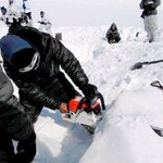 1of our soldier at Siachen has been found alive, lets pray for his speedy recovery.Jai Hind https://t.co/PHb7FZULDT https://t.co/863TpjajmO