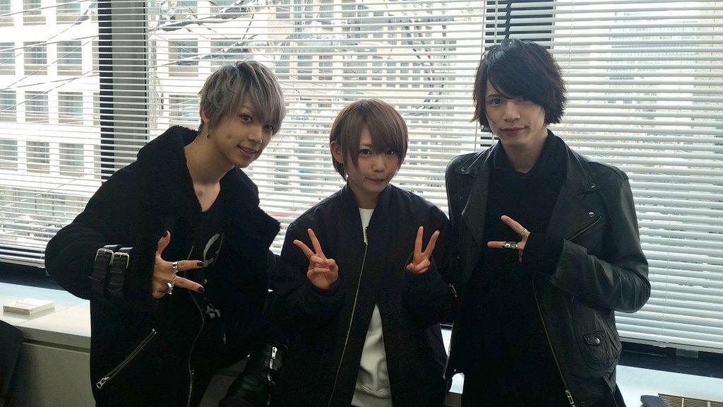 SuG武瑠×篠崎こころ×北村諒インタビュー掲載決定!3人が出逢うのは必然だった? 確実に世を賑わす、悲しくも愛しい衝撃作「桜雨」MVについて語ってもらいました。東京のシド&ナンシーを演じた二人、それを描いた武瑠の三者対談、近日公開! https://t.co/J944nz99An