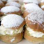 Its Fat Tuesday, the day Swedes go nuts for semla buns. Mmmm. https://t.co/3yxb5KBFPS #semlor #semla #Swedishfood https://t.co/Pf4RtmZU1B