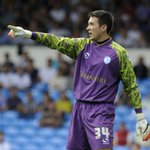 Striker salutes experienced #SWFC goalie. #starlive https://t.co/9MFVHpGxKt https://t.co/6r8sw1tAP1