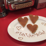 #EdsTakeMeOut! RT for your chance to win a meal for 2 on #ValentinesDay at your nearest Diner. (Picked 5pm Friday) https://t.co/WhhkUs5sn4