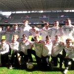 El equipo de fútbol del centro Collège St Guibert (Gembloux, Bélgica) visitó ayer el Tartiere. ¡Bienvenidos! 👏👏💙 https://t.co/MpdED8lt7a