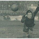 10/02/1935  Real Oviedo 8 - Español 3 (Lángara 4; Herrera 2; Casuco 2) Lángara hacía su tercer hat-trick consecutivo https://t.co/1AMRKfLkdf