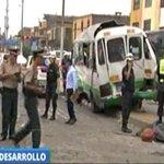 Un muerto y al menos 18 heridos en choque entre cúster y camión en la avenida Grau.► https://t.co/r4VkkeHKt7 https://t.co/NLv6Ea2Z7v