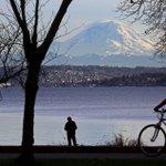 Temperatures could reach 60 degrees Tuesday in the Seattle area. https://t.co/IqRj2Zt3Pk #GetOutside https://t.co/9CJpuLYISz