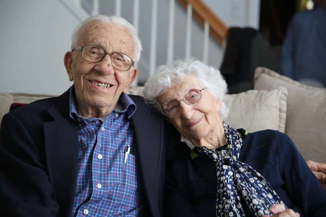 """The """"Longest Married Couple"""" is Giving Relationship Advice on Twitter! @Handy #LongestLove https://t.co/GuMGvpNEUO https://t.co/KLUeL2a7rb"""