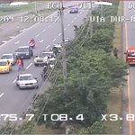 Se capta accidente de tránsito en vía #Durán #Yaguachi por redondel de El Recreo. @CTEcuador y @Salud_CZ8 en sitio https://t.co/OWw5Pzt3UA