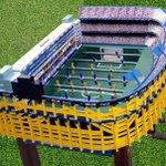 El nuevo juguete que Carlitos Tevez se compró para su casa. Un metegol, con forma de... LA BOMBONERA! https://t.co/x7YVMwZDrU