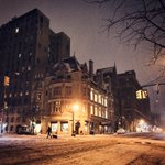 Snowy night - New York City by @travelinglens #newyork #nyc https://t.co/luMx8SYXn8