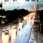 #ECU911 observa tránsito vehicular fluyendo normalmente y calzada mojada al ingreso a #Guayaquil por vía a la costa https://t.co/U0z5UFuu40