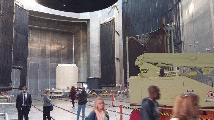The thermal vacuum chamber. Can bring down temps to -270° F. Also where Loki popped in. #NASAglenn #NASASocial https://t.co/qjpMvZ02Zr