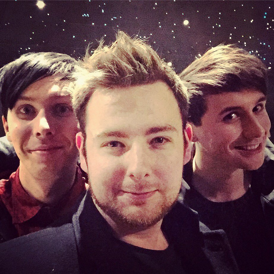 Exploring the cosmos with @amazingphil and @danisnotonfire #selfiesteem 40/366 https://t.co/2qf2dHG5MN https://t.co/39BZcyKLLx