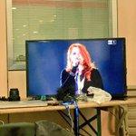 RT @liviacolare: Mitica @noemiofficial con i nastri arcobaleno #cirinnamoreremo #unionicivili #Sanremo2016 https://t.co/mbXr8IXHls
