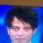 Garko ha più capelli di Enzo Paolo Turchi ai bei tempi! #Sanremo2016 https://t.co/QtnKPpqQuJ