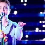 Arisa ringrazia Oysho per il suo outfit *pigiama da serata sul palco* #Sanremo2016 https://t.co/qQ9YEC5vYu