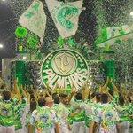 """""""De braços abertos vou me declarar, eu amo você Palmeiras!""""  A Mancha Verde está de volta à elite do Carnaval! 👊🏆 https://t.co/IlY8Ak0uii"""