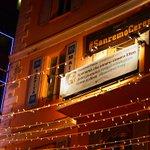 Ci voleva un sir britannico per farcela. Grazie @FrancescoCoccoT #SanremoCeres #Sanremo2016 https://t.co/wvEOJa0cbz