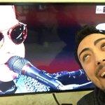 Sul palco Elton John ed è subito gay ingenui!!! #Sanremo2016 https://t.co/yOPxEA2veG