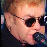 Elton John, le sue canzoni : la dimostrazione che la Musica è lo specchio dellanima. #Sanremo2016 https://t.co/CuFruyaOtN