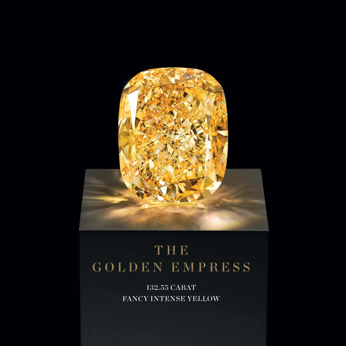 The Golden Empress – a 132.55 carat Fancy Intense Yellow diamond – Now on display at the #DJWE16 https://t.co/l5GtcKVJ2Y
