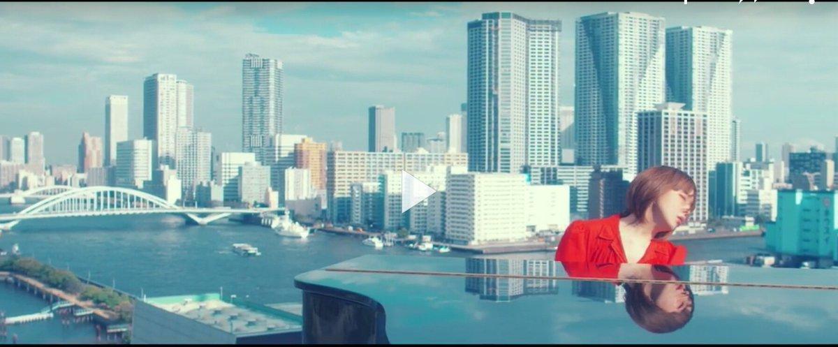『もっと』のPVは、竹芝から眺める勝鬨橋と手前の築地大橋、月島方面。この辺の人ならすぐ分かるか。 https://t.co/iM9aN4EZuo