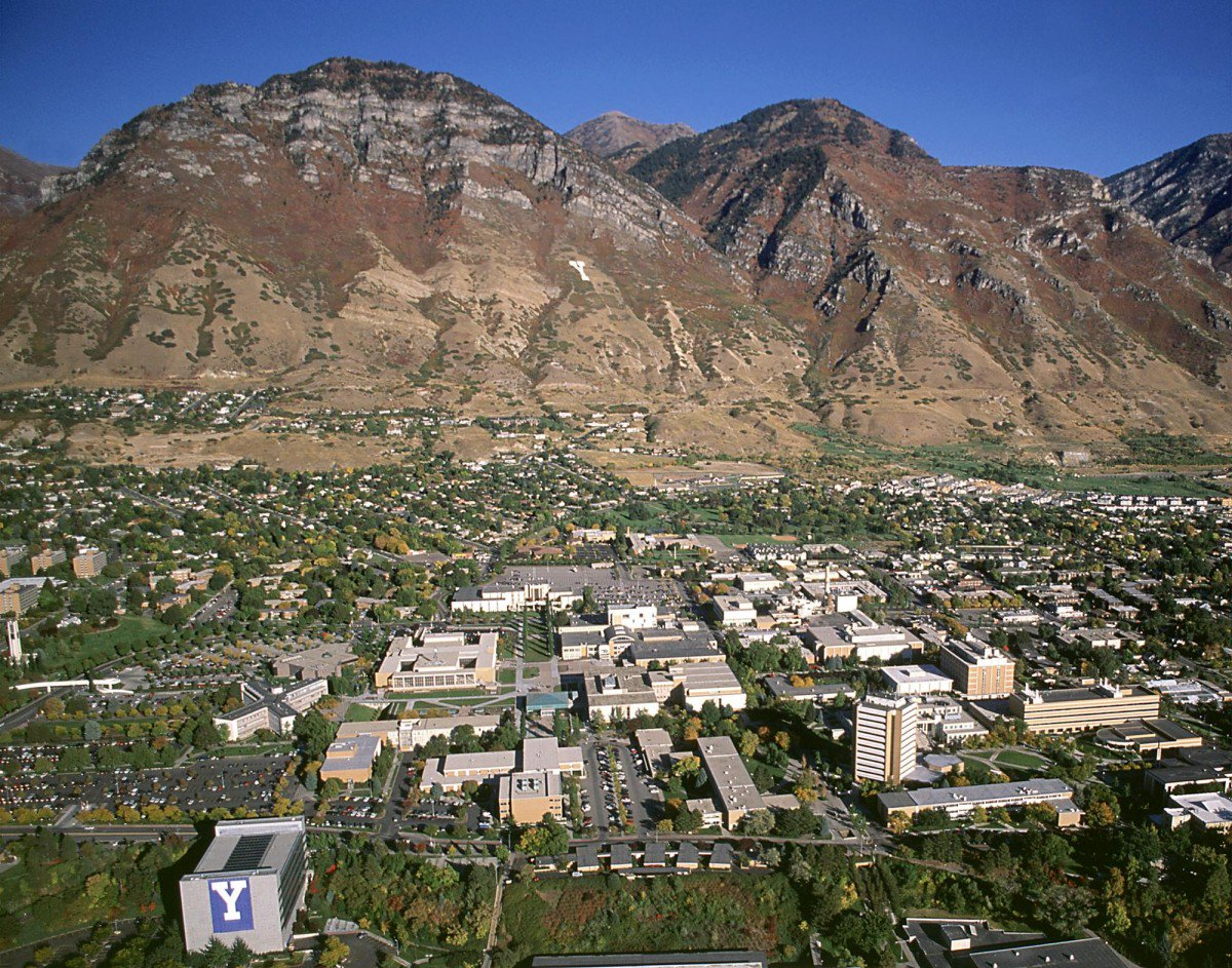 Guess who @Forbes ranked as the best school in Utah. Spoiler: It's BYU. #GoCougs! https://t.co/gGVQO1lnR6 https://t.co/4O049ojwyX