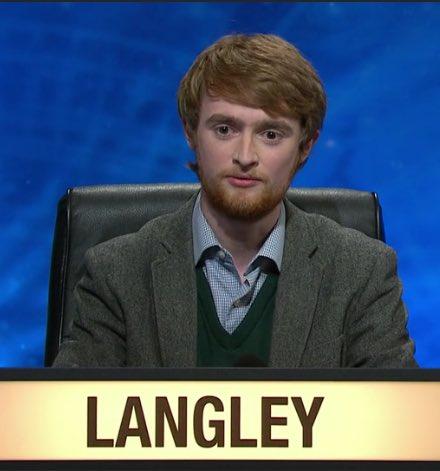 Langley looks like the lovechild of Daniel Radcliffe & Rupert Grint #universitychallenge https://t.co/kkVpnUjarq
