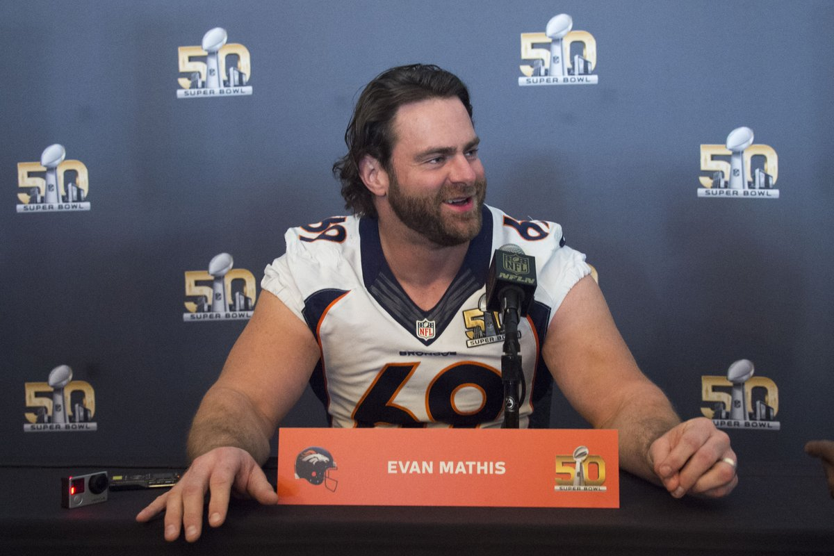"Ex-Eagles G Evan Mathis: ""The Broncos team I was on would have eaten Chip (Kelly) alive."" https://t.co/eSvTPCmWRm https://t.co/KVzC14PZBU"