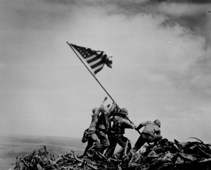 #OTD 23 February 1945: Five Marines and a Navy corpsman raised the American flag on Mount Suribachi, Iwo Jima #USMC https://t.co/esjw0Cw59E