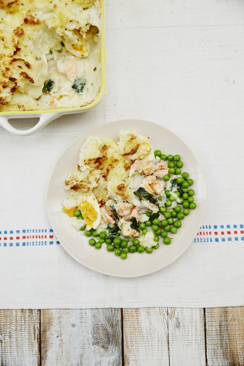 #RecipeOfTheDay is @Jools_oliver_'s fish pie. Perfect for families; freeze any leftovers! https://t.co/LtlKtiYosy https://t.co/Vm3gpe7MPO