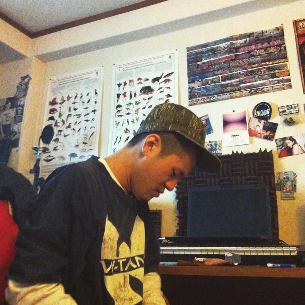 4月中旬にillsugi監修のFatslideのアルバムが出せそうで、 それまでに全曲僕trackでお友達がrapした音源集がfreeで配信できるように、最近頑張ってます。。(お友達(主に東京の方々、一人ブートキャンプクリック)) https://t.co/YpGjTAbbIY