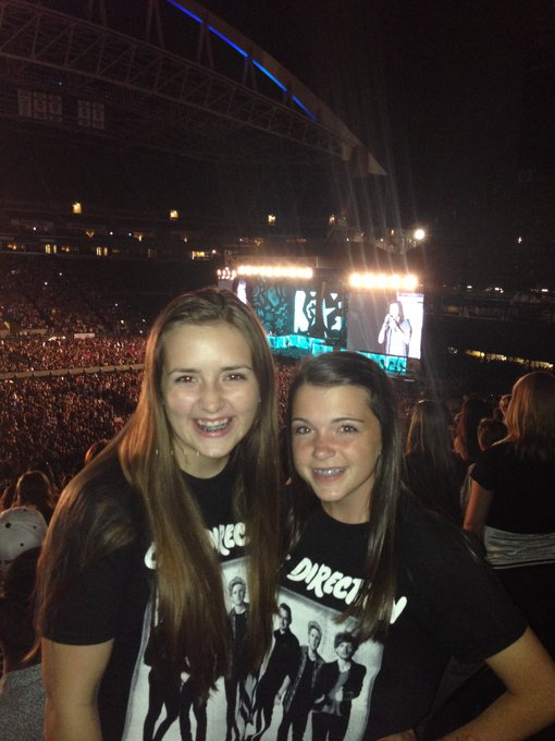 Happy 16th birthday to my Harry styles loving BFF! You bring me lots of laughter, and I love you to the moon&back