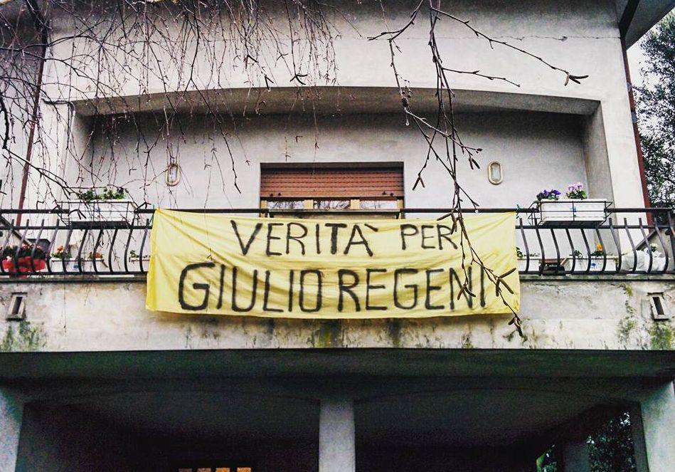 Verità per #GiulioRegeni APPENDETE LO STRISCIONE ALLE FINESTRE Qui https://t.co/KqCj4CzA0W l'appello della sorella https://t.co/D4Dd3SEXcQ