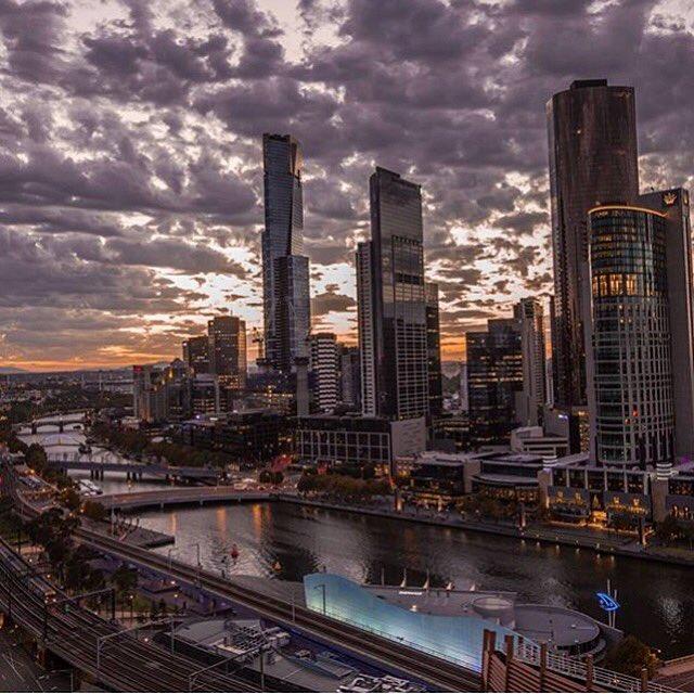 Good Morning beautiful Melbourne! https://t.co/x1HdHAvaNu https://t.co/0o0ED8Vh6X
