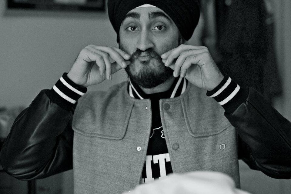 Toronto YouTube Star @JusReign was forced to remove his turban at a California airport: https://t.co/1olmKpnQ5P https://t.co/wDc2STLMLq