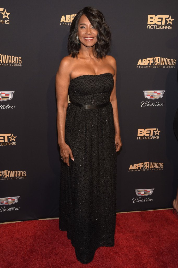 ActressMargaret Avery is 72. SEVENTY TWO. That black ain't nowhere close to cracking. #BETCelebratesHollywood https://t.co/DU6ac6LgJT