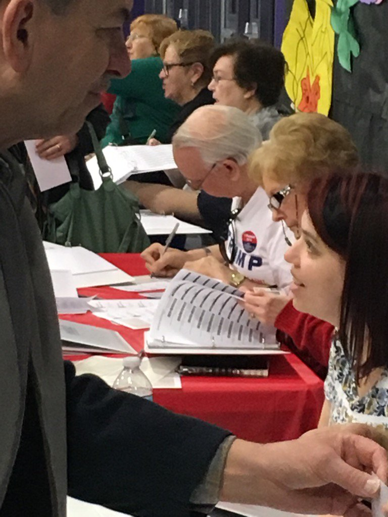 Not one but two ballot collectors wearing TRUMP t-shirts at this caucus site in Vegas. https://t.co/DgwyL6eNpL