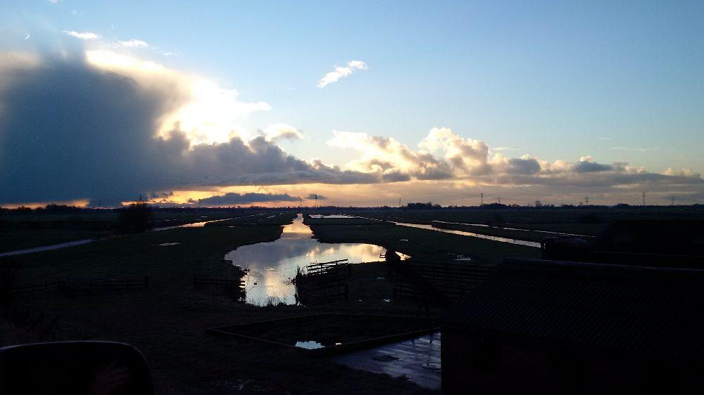 Skies over Holland https://t.co/TVLKDRfwte